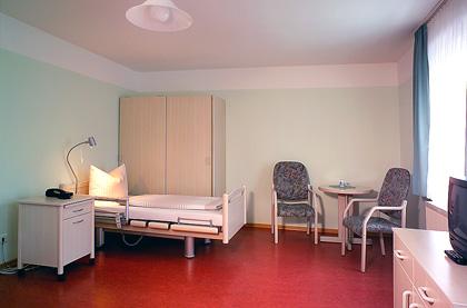 seniorenpflegeheim haus heideland zimmer pflegeeinrichtungen in bad schmiedeberg. Black Bedroom Furniture Sets. Home Design Ideas