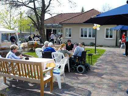seniorenpflegeheim haus heideland unser haus pflegeeinrichtungen in bad schmiedeberg. Black Bedroom Furniture Sets. Home Design Ideas